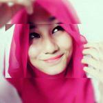 @dee_mila's Profile Picture