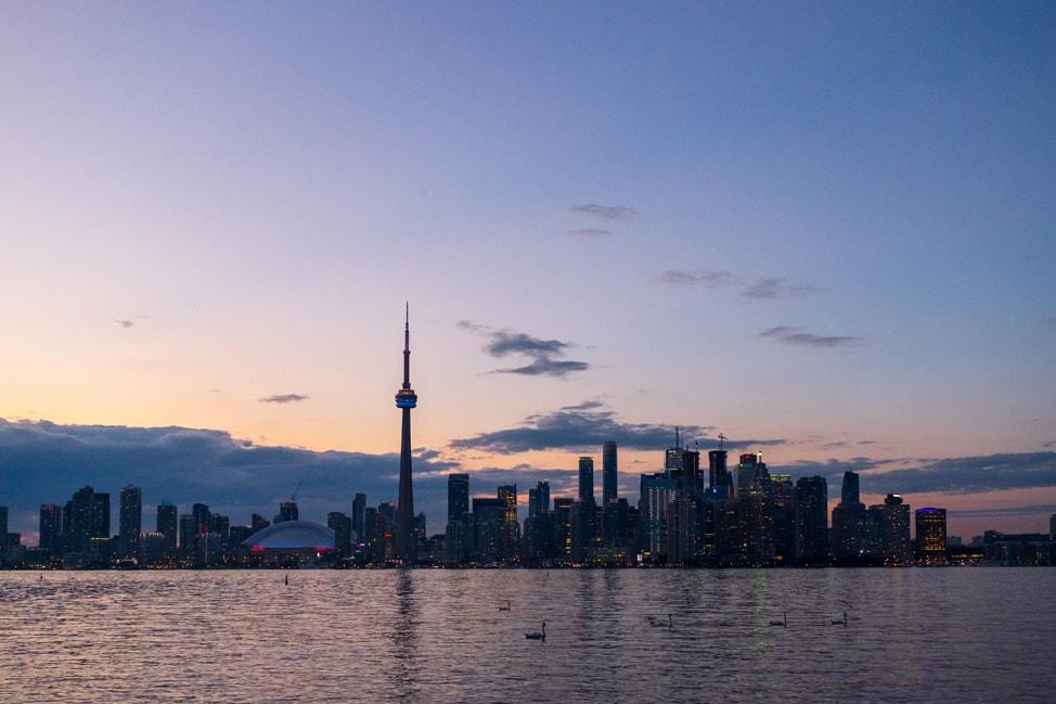 @kirstenalana's cover photo for 'Experience a #TorontoStopover - Kirsten Alana'