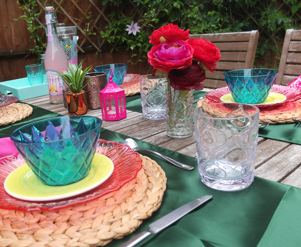 @freshdesignblog's cover photo for 'Laid back summer boho garden style #UKHomeBlogHop'