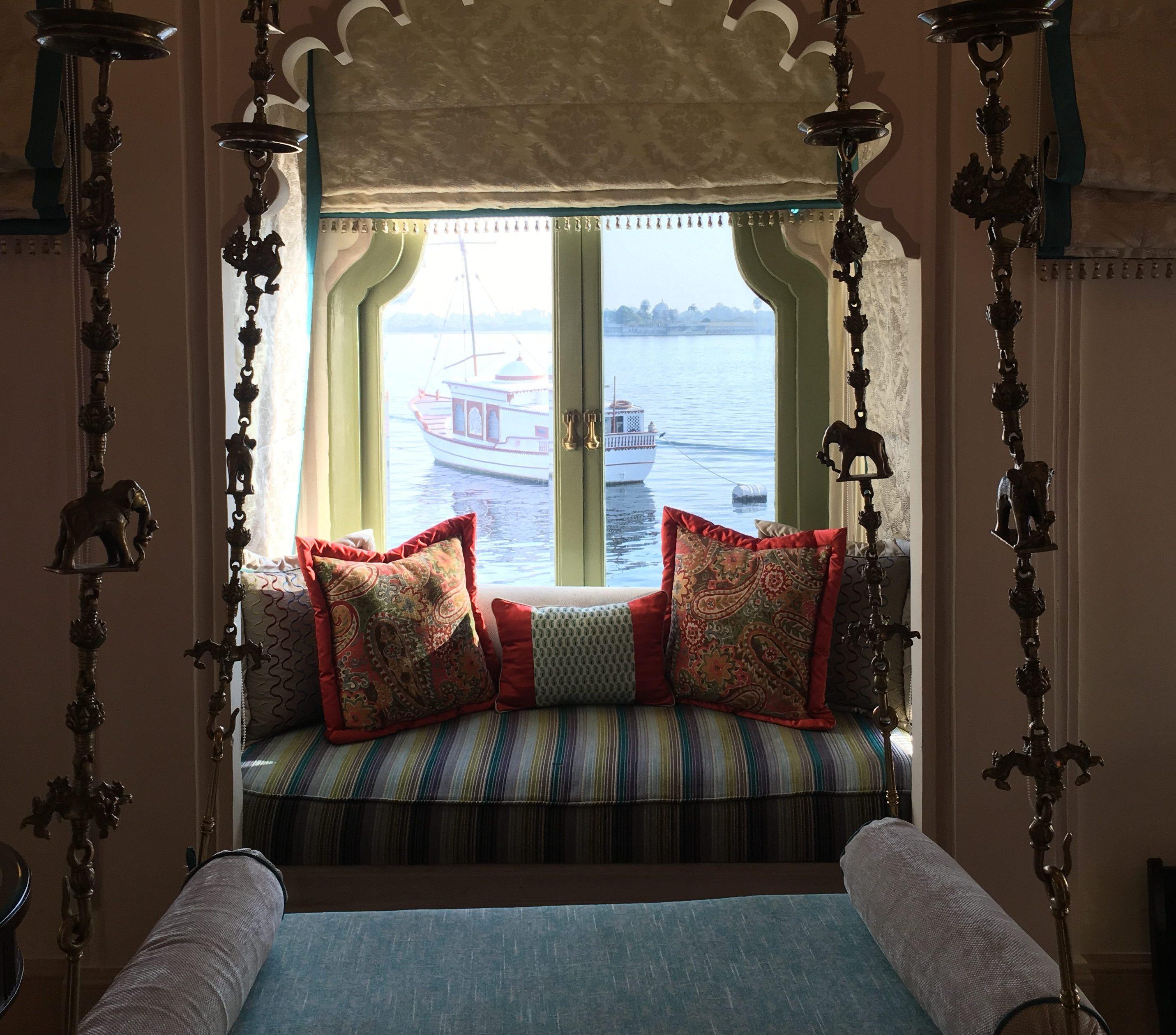 @exotiktraveler's cover photo for 'The legendary suites at Taj Lake Palace, Udaipur by ExotikTraveler'