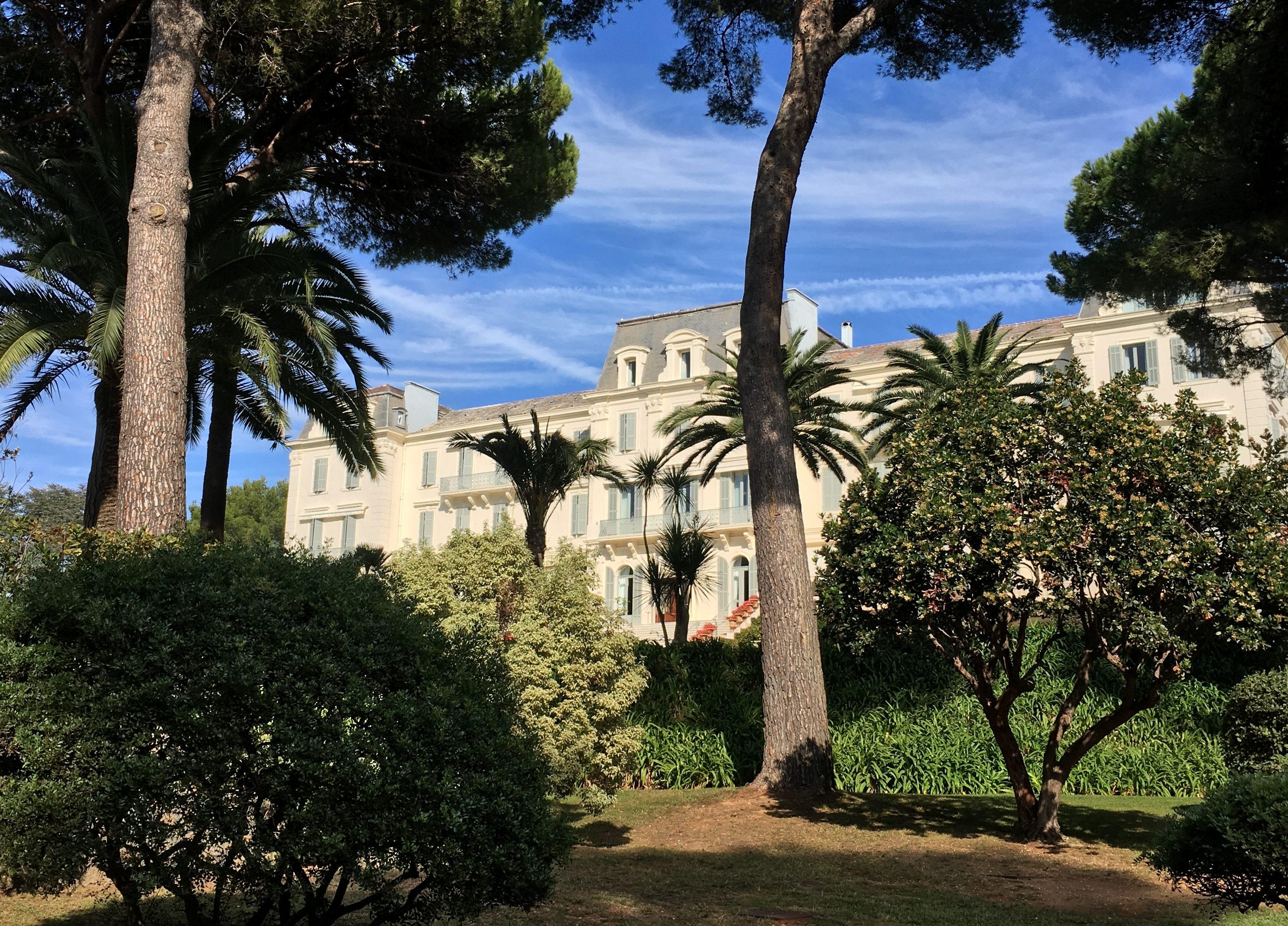 @exotiktraveler's cover photo for 'Hotel Review: Hotel du Cap Eden Roc, Antibes by Carmen Caballero Exotiktraveler'