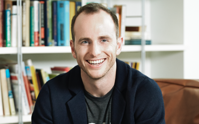How Design Thinking Transformed Airbnb from a Failing Startup to a Billion Dollar Business
