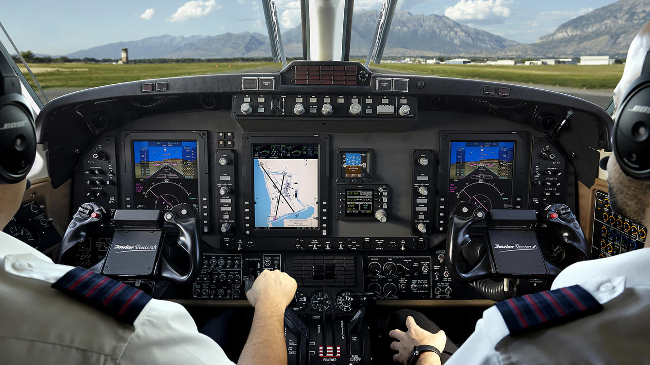 June July 2018 Smart Sensors Expand In Variety Scope Avionics Aviation Knee Key Systems Wiring Diagram The Emarss Suite Includes Pro Line 21 From Rockwell Collinsphoto Courtesy Of Collins
