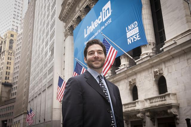 The Management Framework that Propelled LinkedIn to a $20 Billion Company