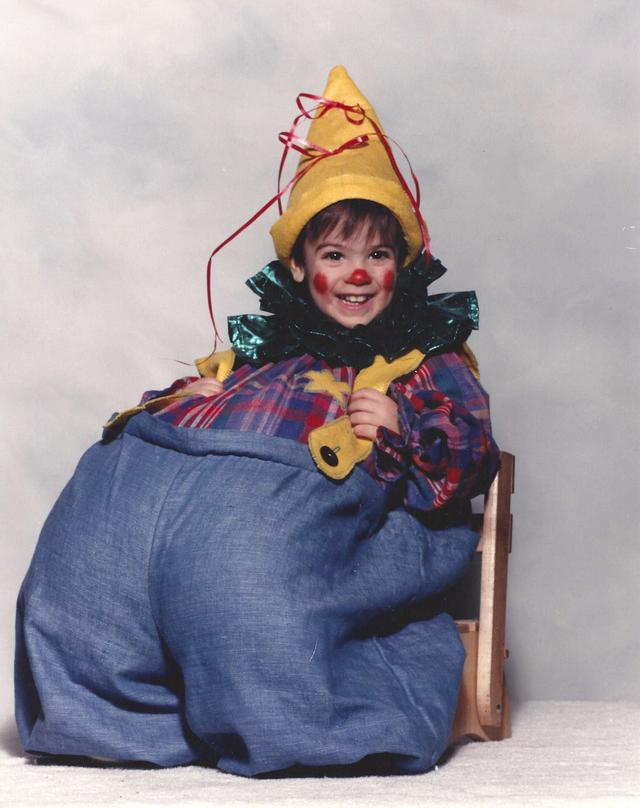 I became set on becoming a clown in early childhood.