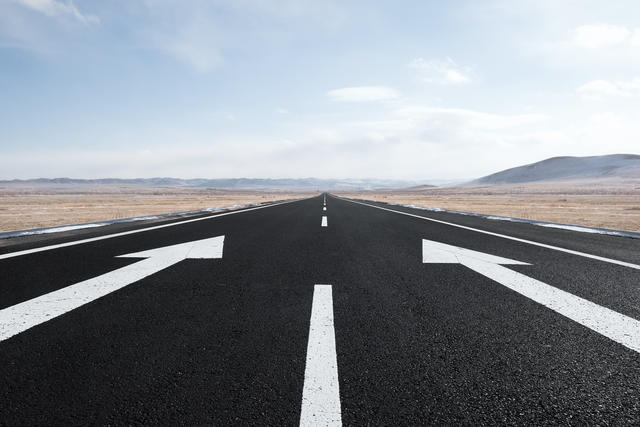 Drive Growth by Picking the Right Lane - A Customer Acquisition Playbook for Consumer Startups