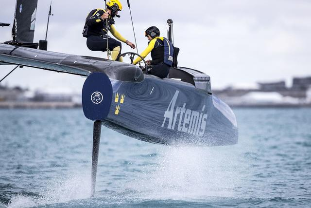 Four Yacht Timers in Bermuda   iW Magazine