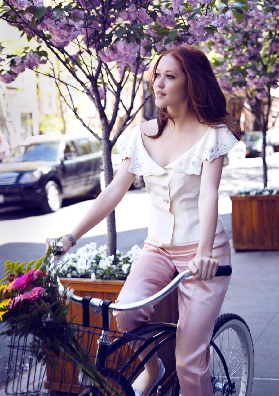 Matchbook-magazine-july-2013-summer-whites-new-york-city-bride-manhattan-vintage-wedding-dresses-10