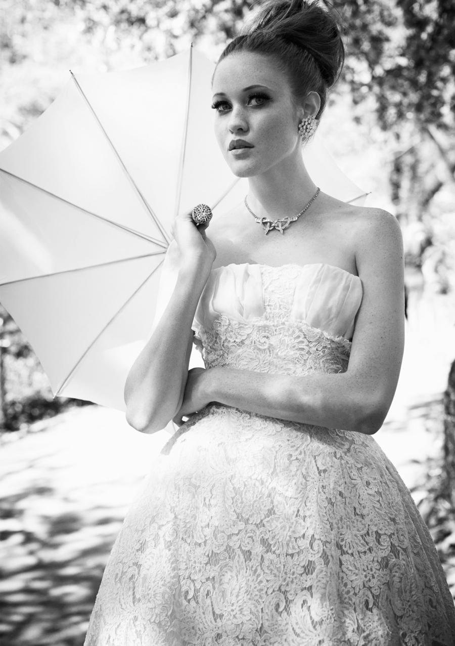 Matchbook-magazine-july-2013-summer-whites-new-york-city-bride-manhattan-vintage-wedding-dresses-5