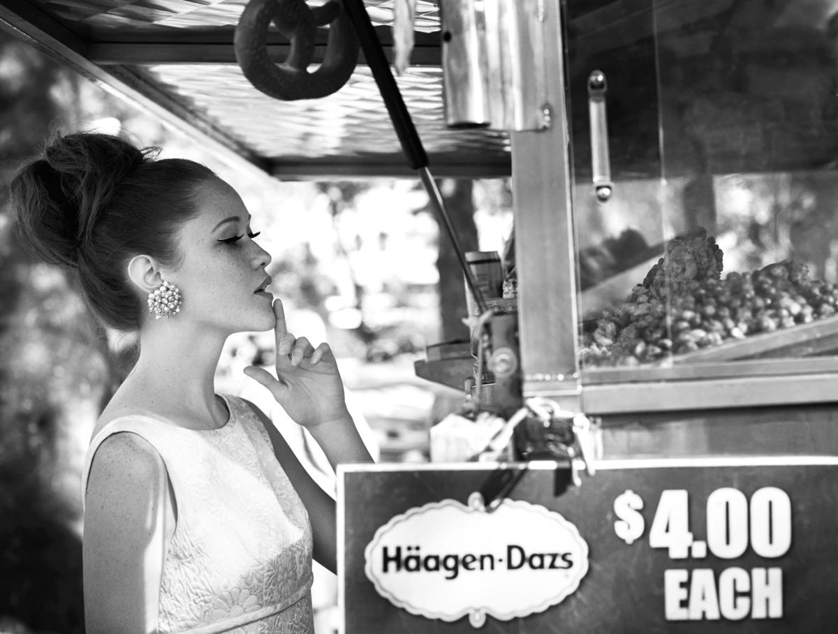 Matchbook-magazine-july-2013-summer-whites-new-york-city-bride-manhattan-vintage-wedding-dresses-1
