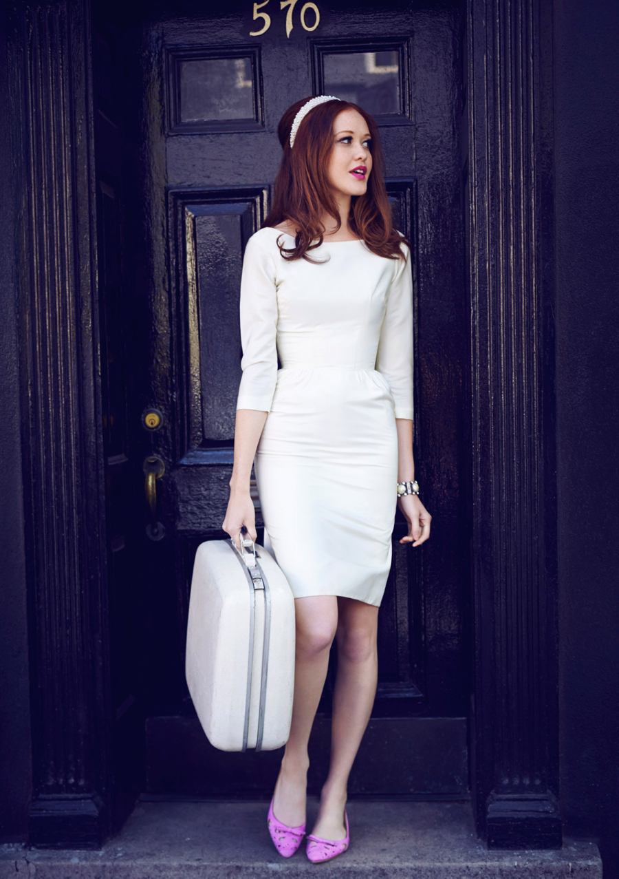 Matchbook-magazine-july-2013-summer-whites-new-york-city-bride-manhattan-vintage-wedding-dresses-11