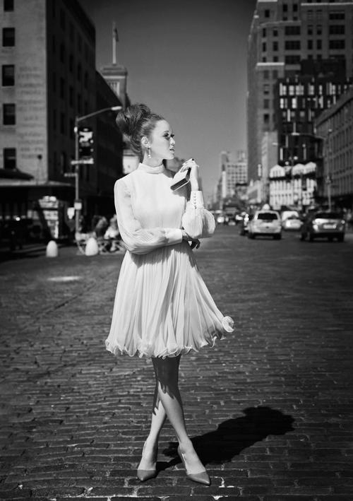 Matchbook-magazine-july-2013-summer-whites-new-york-city-bride-manhattan-vintage-wedding-dresses-14