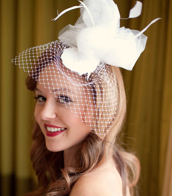 16-28449_the-caroline---feather-and-tulle-fascinator-1355768017-249