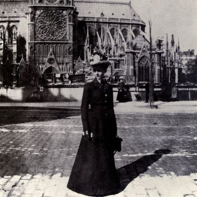 Julia-morgan-noted-female-architect-in-paris-ca-1900