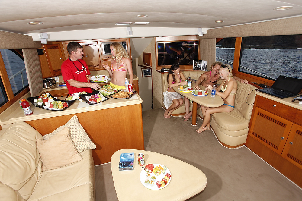 Product Deluxe 4 Hour Private Charter