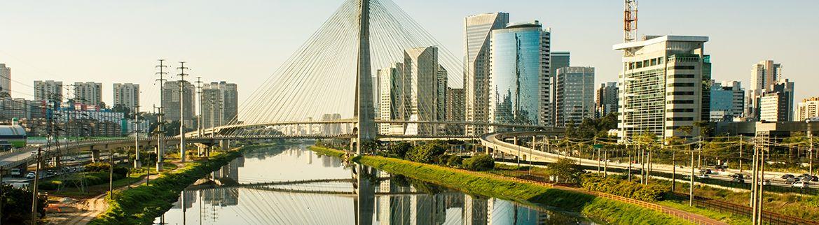 Jóquei Club em são paulo ao lado do rio Tietê