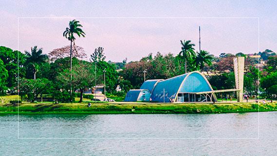 Igreja São Francisco de Assis a beira d lagoa da Pampulha