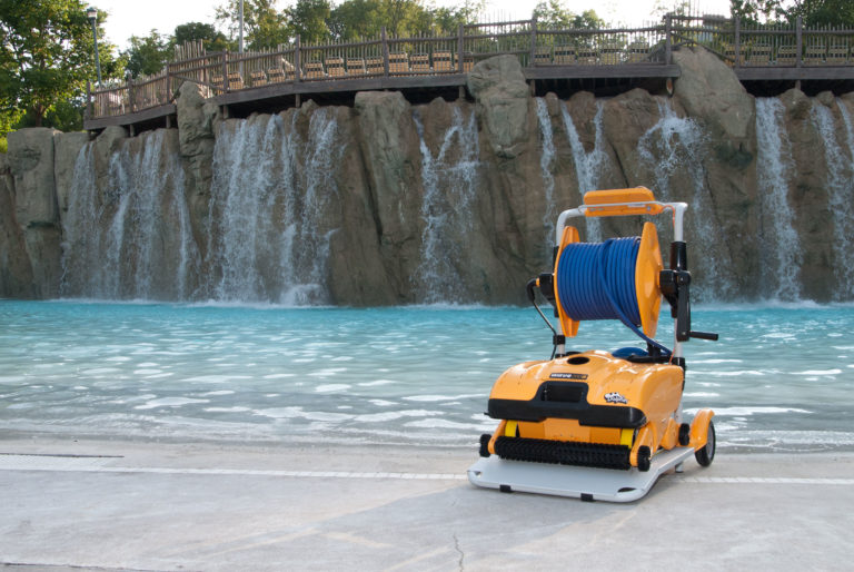 Dolphin Wave 200 Commercial Robotic Pool Cleaner