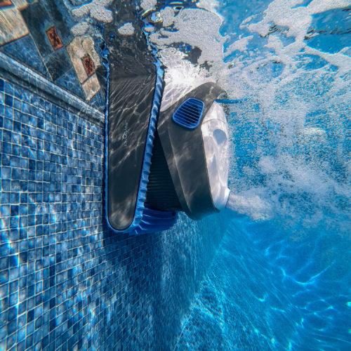 S300 Featured underwater