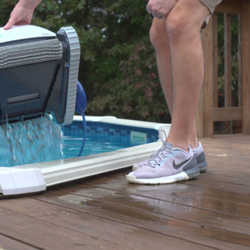 Dolphin Saturn Robotic Pool Cleaner Water Release
