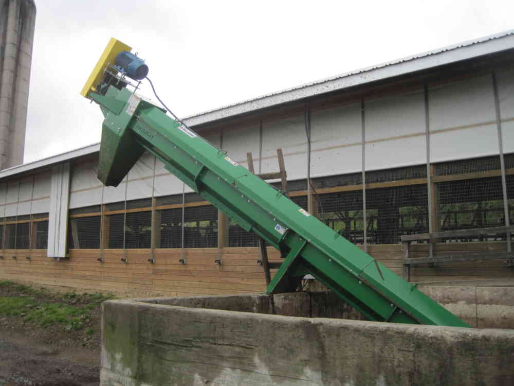 Spreader-Loading Auger