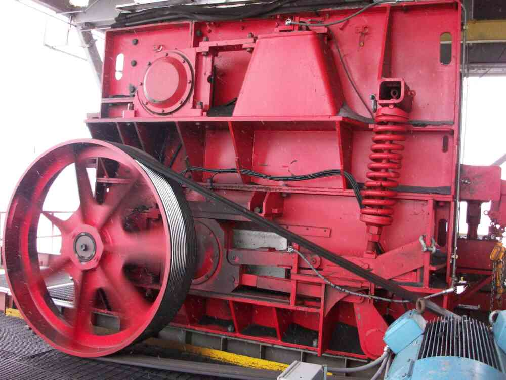 Triple Roll Crusher Right Side