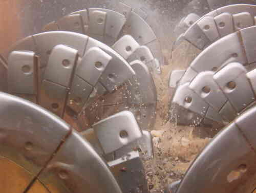 The Differences (And Similarities) Between Coarse Material Screw Washers And Blade Mills