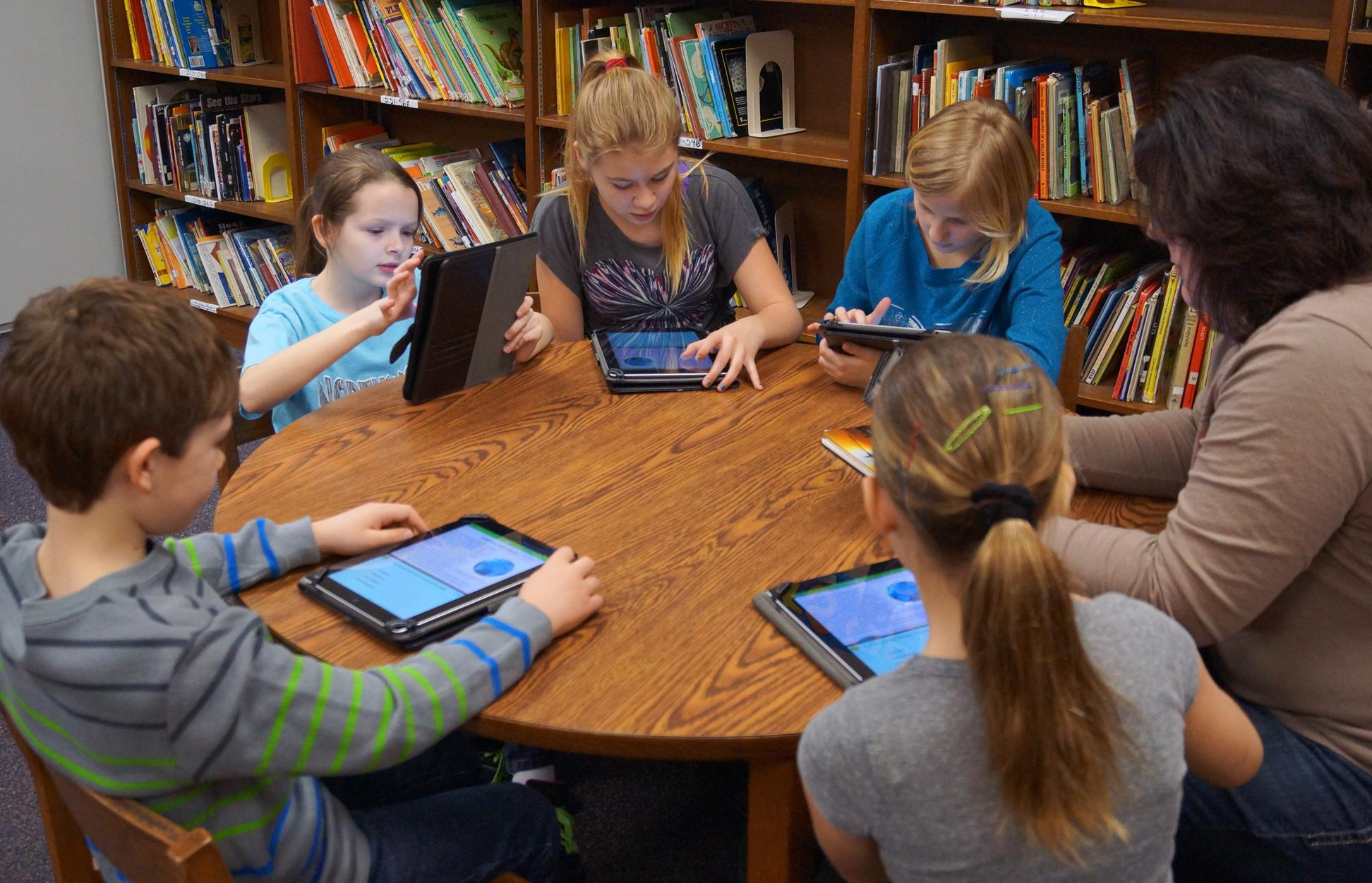 School Website - Mooresville Schools