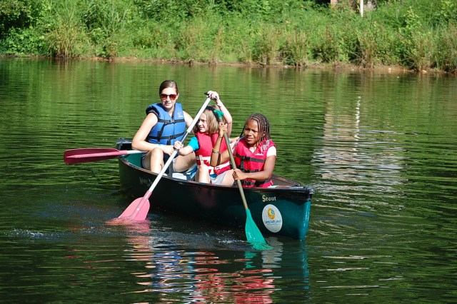 Muscular-Dystrophy-Association-Canoe-1