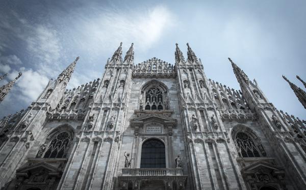 Front of Duomo di Milano