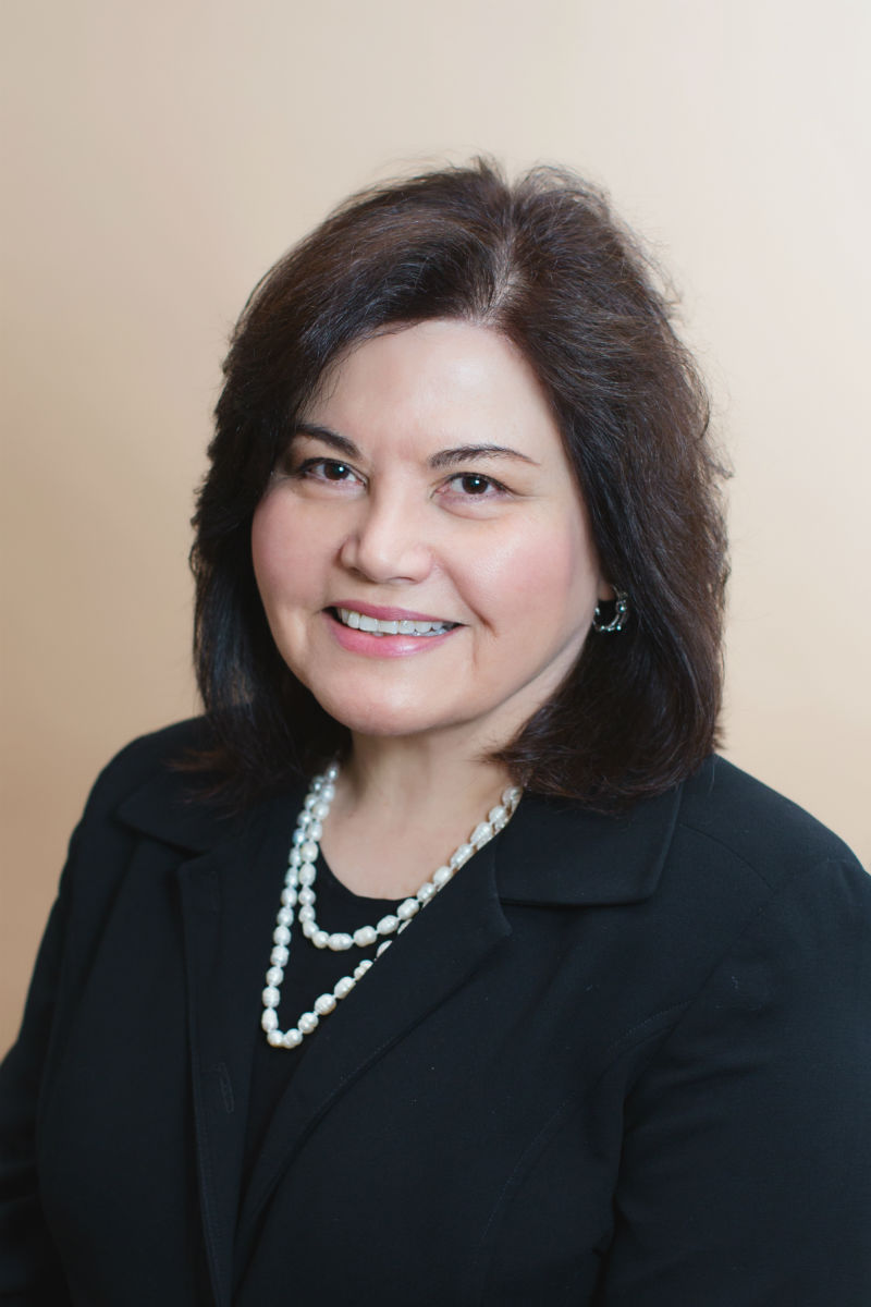 Dr. Sandra Bello, MD