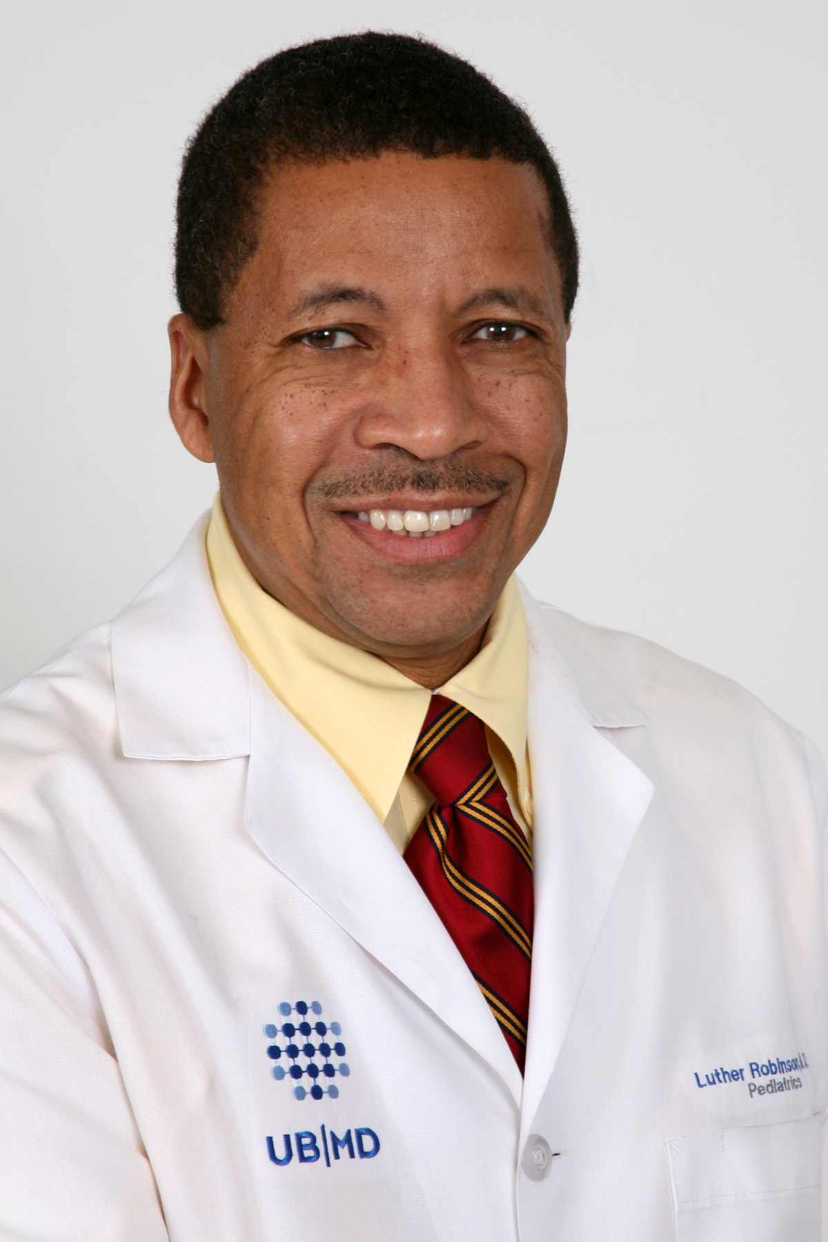 Luther K Robinson, MD