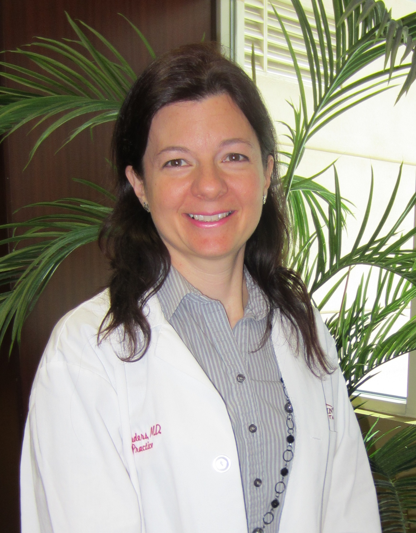 Yvonne L Saunders, MD