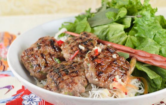 Bun-cha-vietnamese-pork-meatballs-with-vermicelli-14