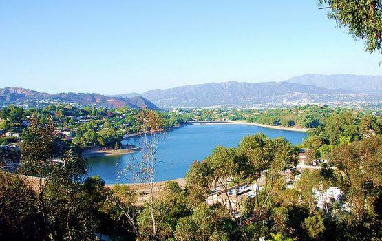 Silver_lake_reservoir_michael_locke_law_flickr