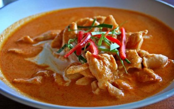 Thai-red-curry-with-chicken