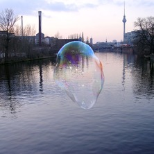 Bubble-on-river-spree2