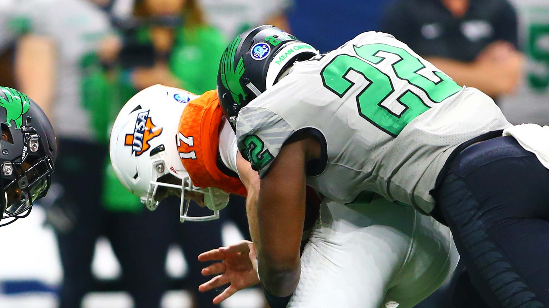 E.J. Ejiya registers one of his two sacks against UTSA