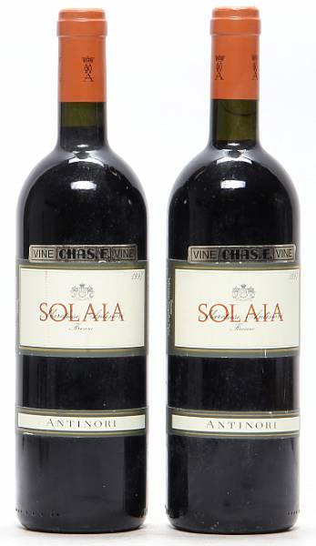 2 bts. Solaia, Marchesi Antinori 1997 A-A/B (bn).