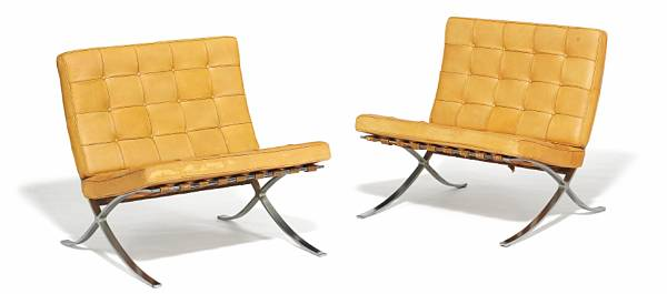 "Ludwig Mies van der Rohe: ""Barcelona"". A pair of lounge chairs with chromed steel frame. Loose cushions upholstered with natural leather. (2)"