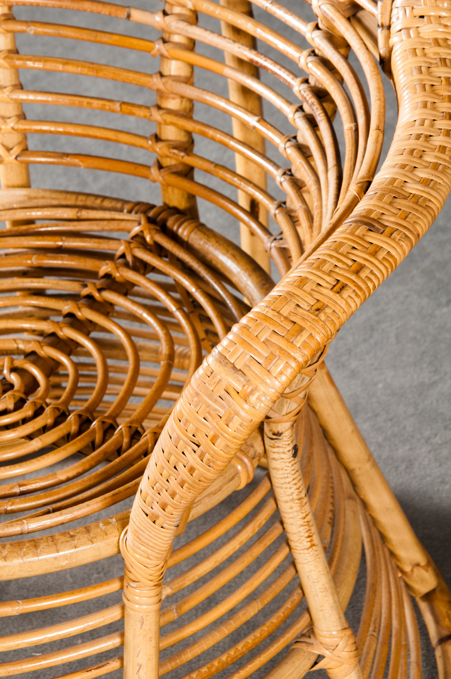 Large wicker chairs, in the style of Gio Ponti