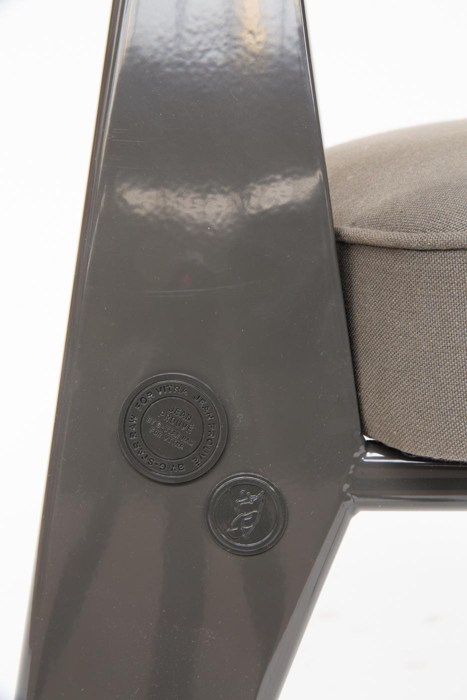 Jean Prouvé, Schreibtischsessel, Modell von Vitra chair Direction