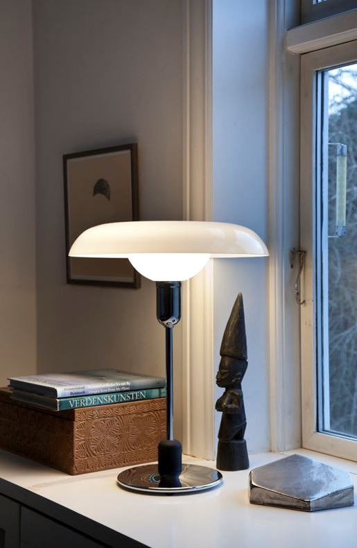 RA 250 table lamp from PIET HEIN - In favor of the AIDS Foundation