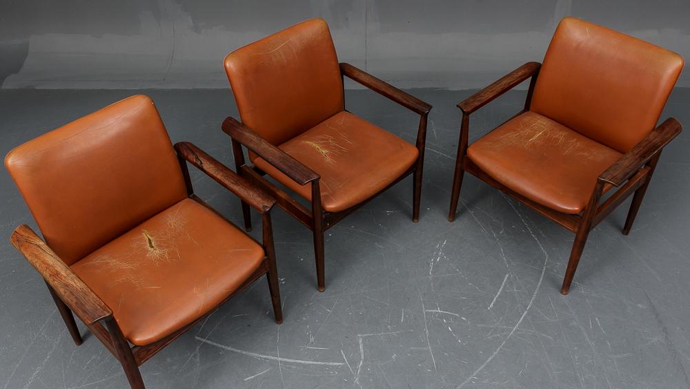 Finn Juhl. Three Diplomat desk chairs/armchairs, model 209 (3)