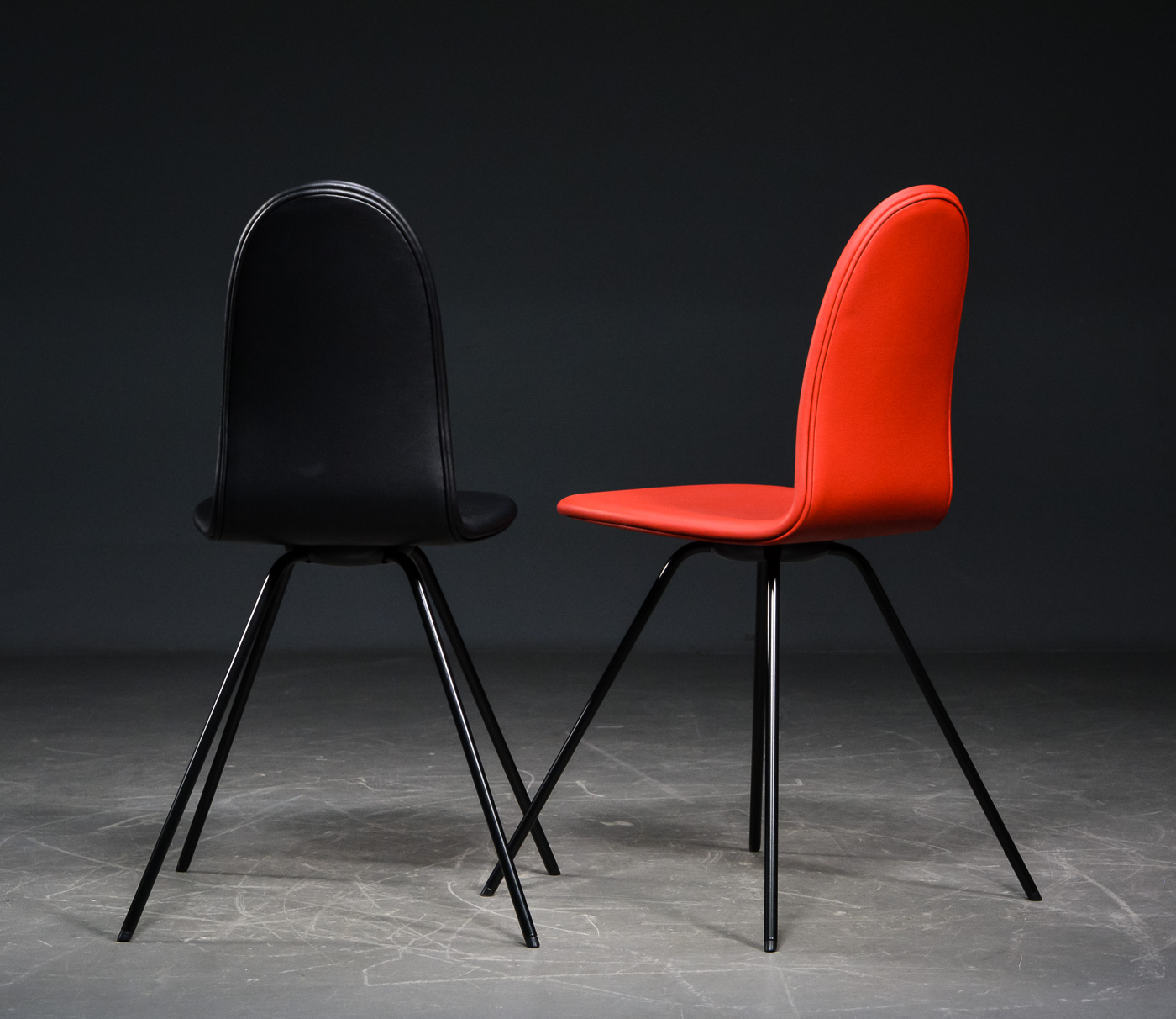 Arne Jacobsen. Four chairs, 'the Tongue' (4)