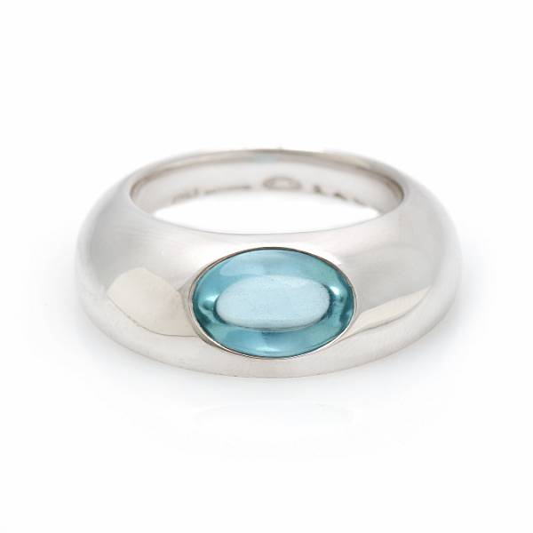 """An aquamarine ring """"Eclipse"""" set with cabochon aquamarine, mounted in 18k white gold. Design no. 1492. Size 55. Georg Jensen after 1945."""