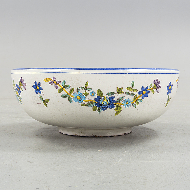 BIRDBATH. Ceramics, 1900s second half.