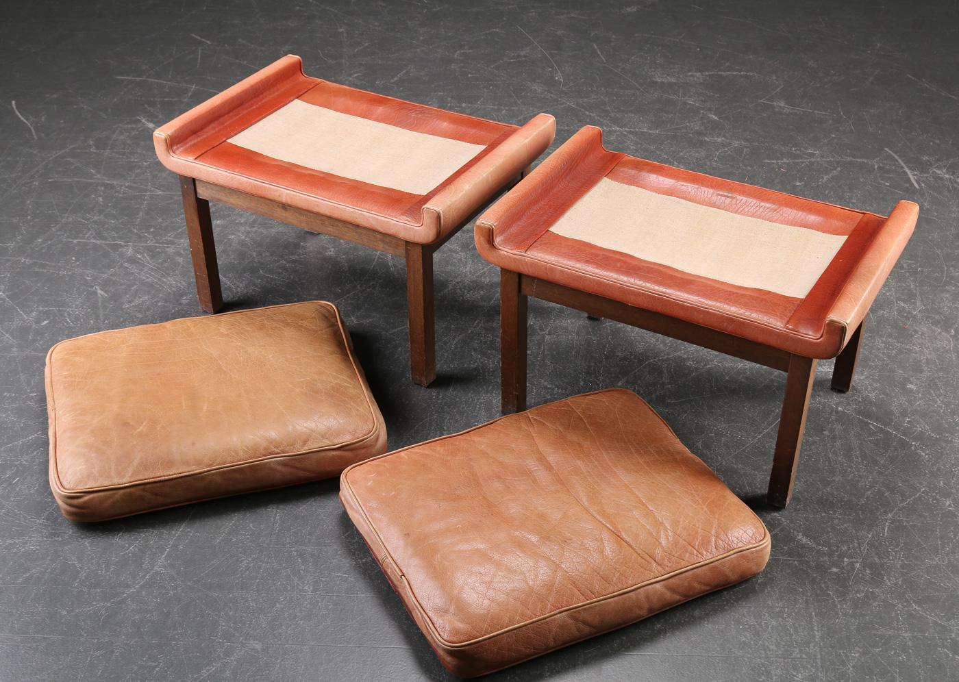 Finn Juhl. A few stools black leather (2)
