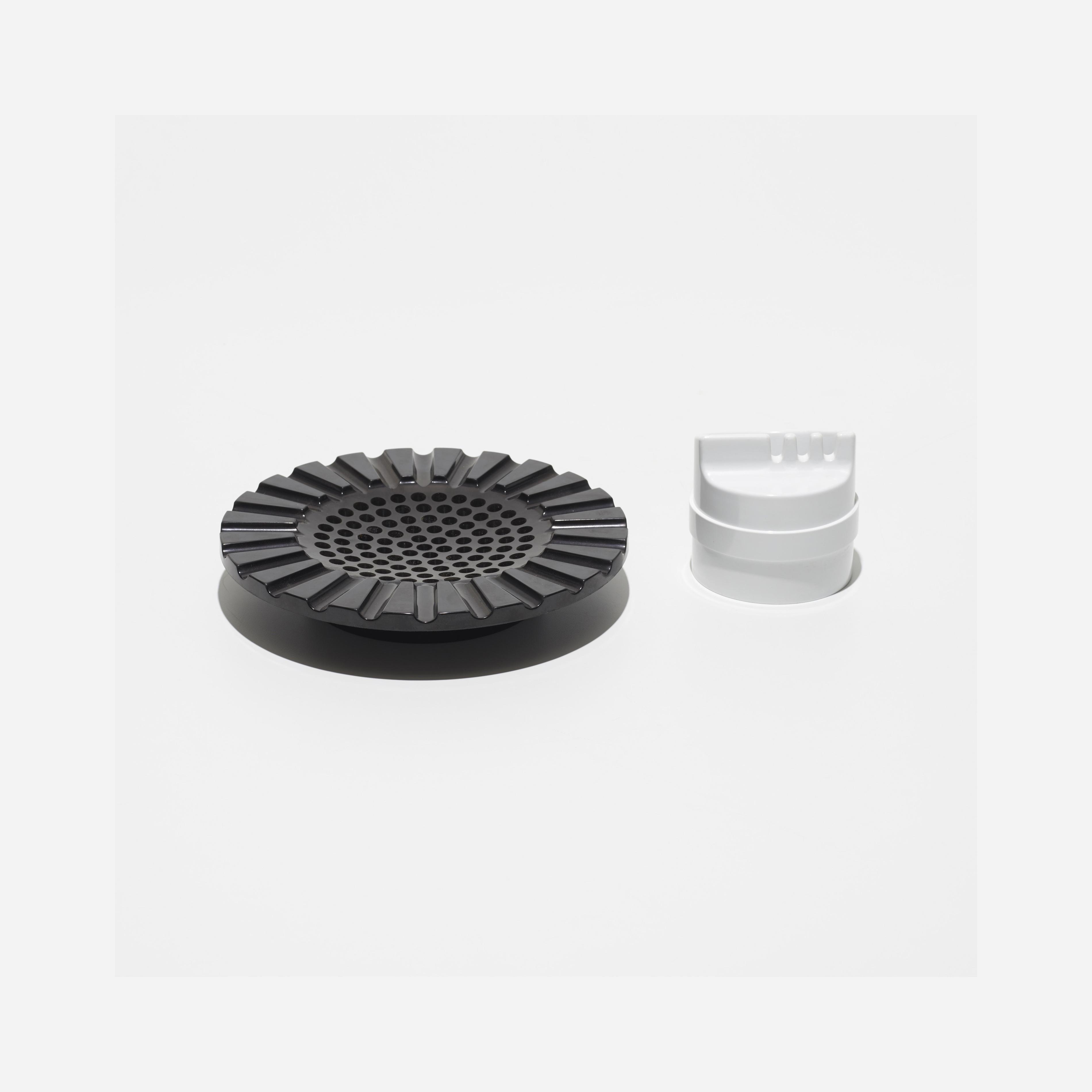 ashtrays, set of two - Kartell