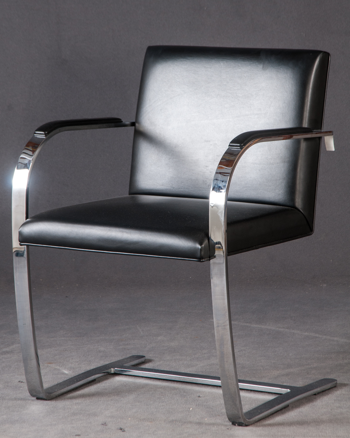 Ludwig Mies van der Rohe, 6 chairs/cantilevered chairs/armchairs 'Brno' model 'MR50' for Knoll International (6)